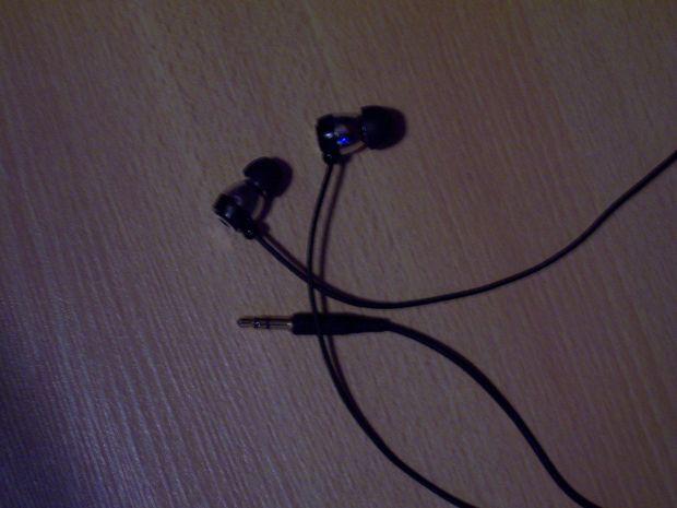 How To Repair Your Headphones Headphones Repair Life Hacks