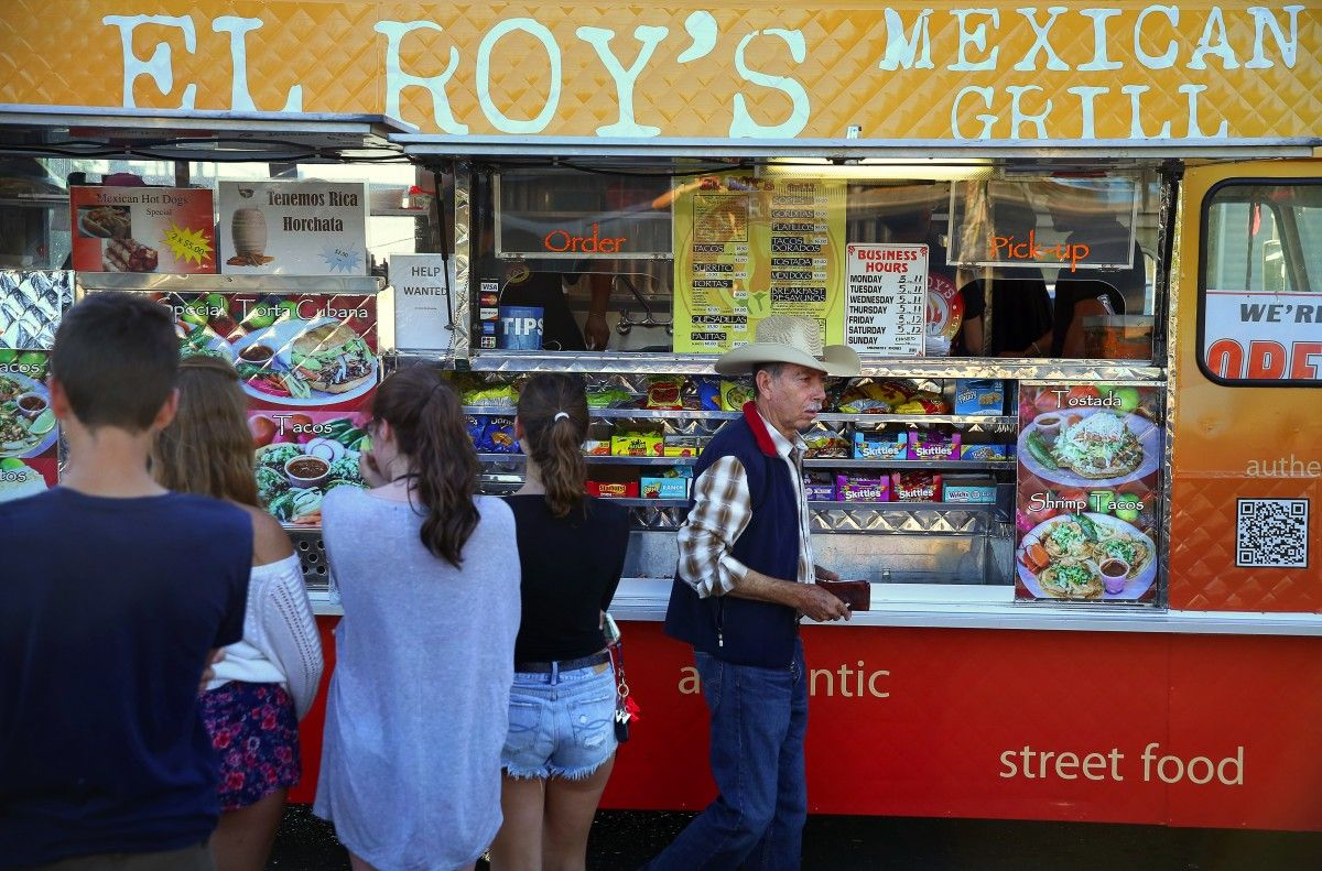 El Roy S Mexican Grill Has Been Voted The Best Food Truck In Sonoma County Christopher Chung The Press D Best Mexican Recipes Sonoma County Best Food Trucks