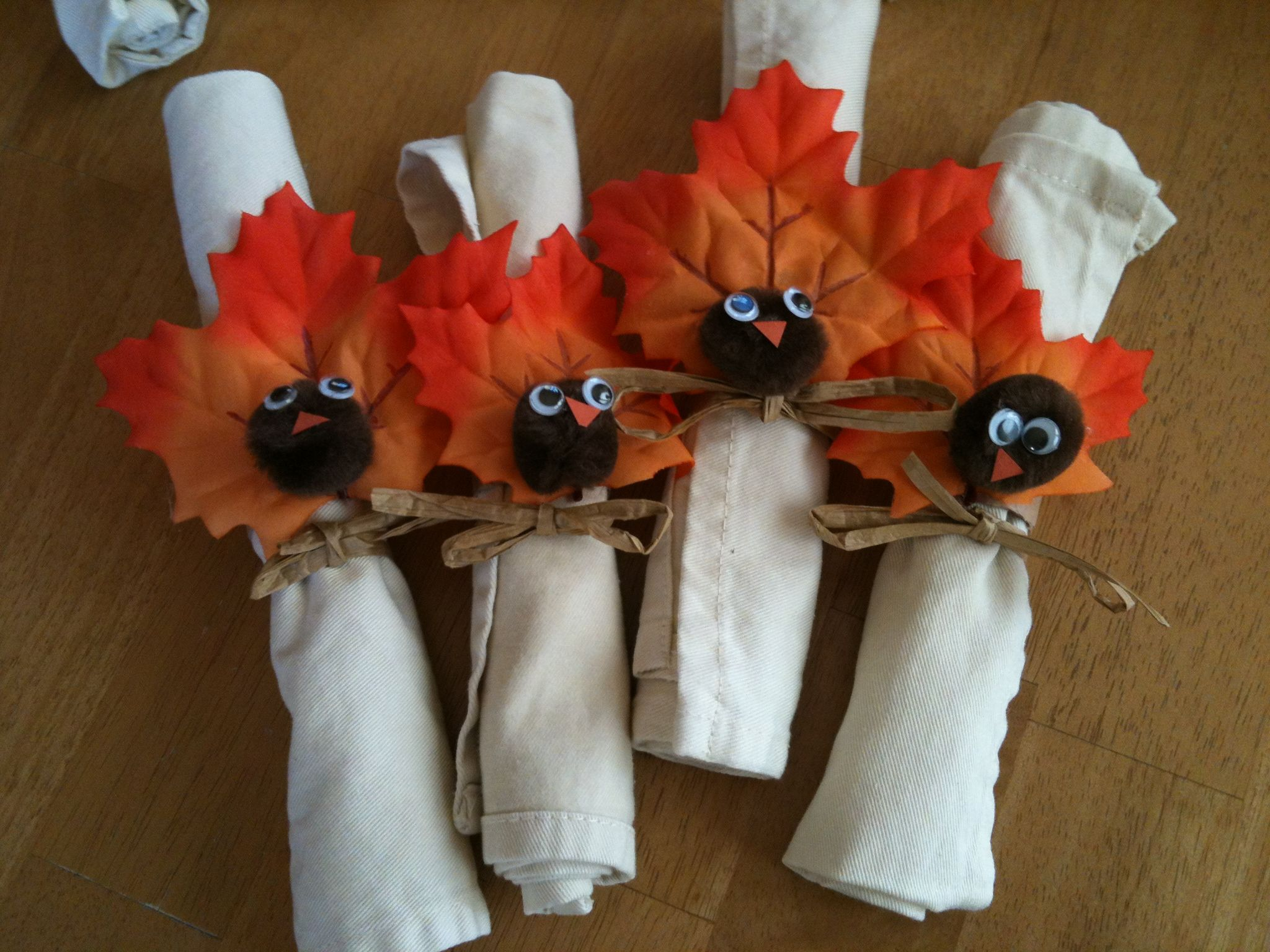 How to make your own napkin rings for thanksgiving for Turkey napkins