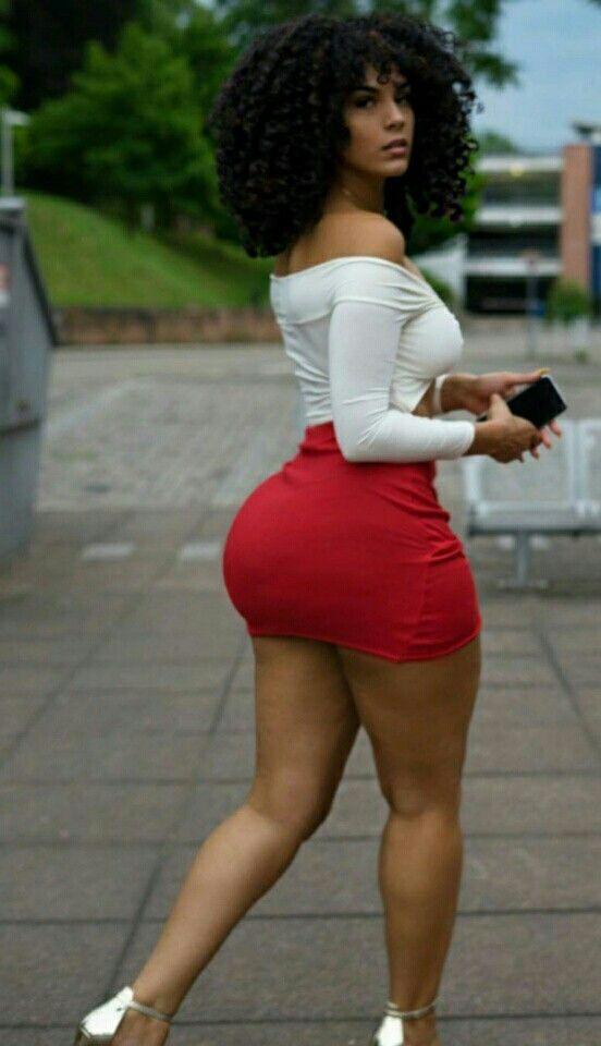 Beautiful Black Women Twerking