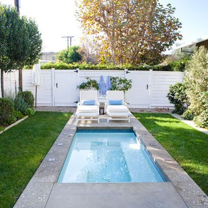 Small front yard landscaping ideas design ideas pictures for Pool in front yard ideas