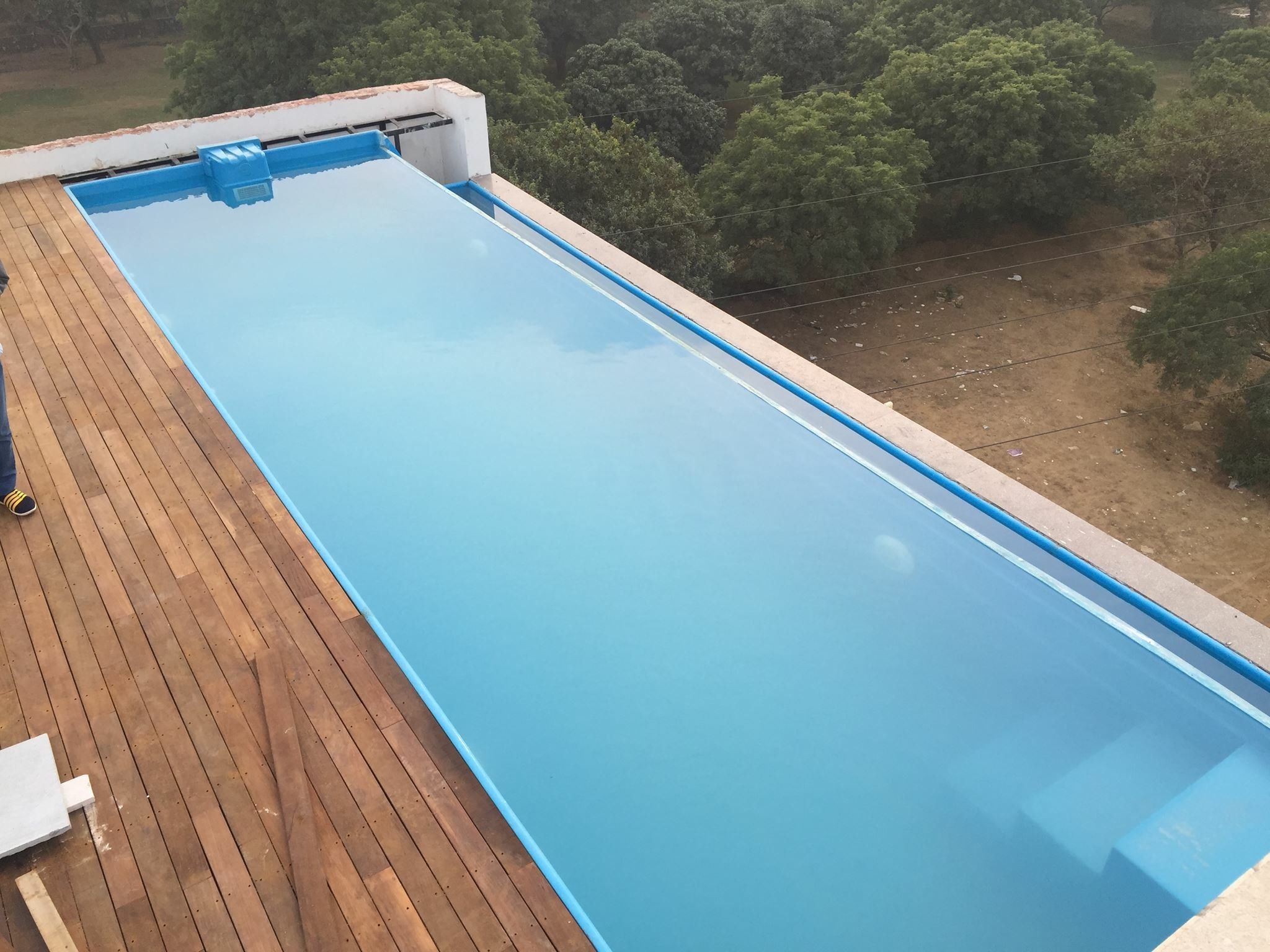 Pin By Arrdevpools On Readymade Swimming Pool For Roof Top Swimming Pools Pool Colonial Style