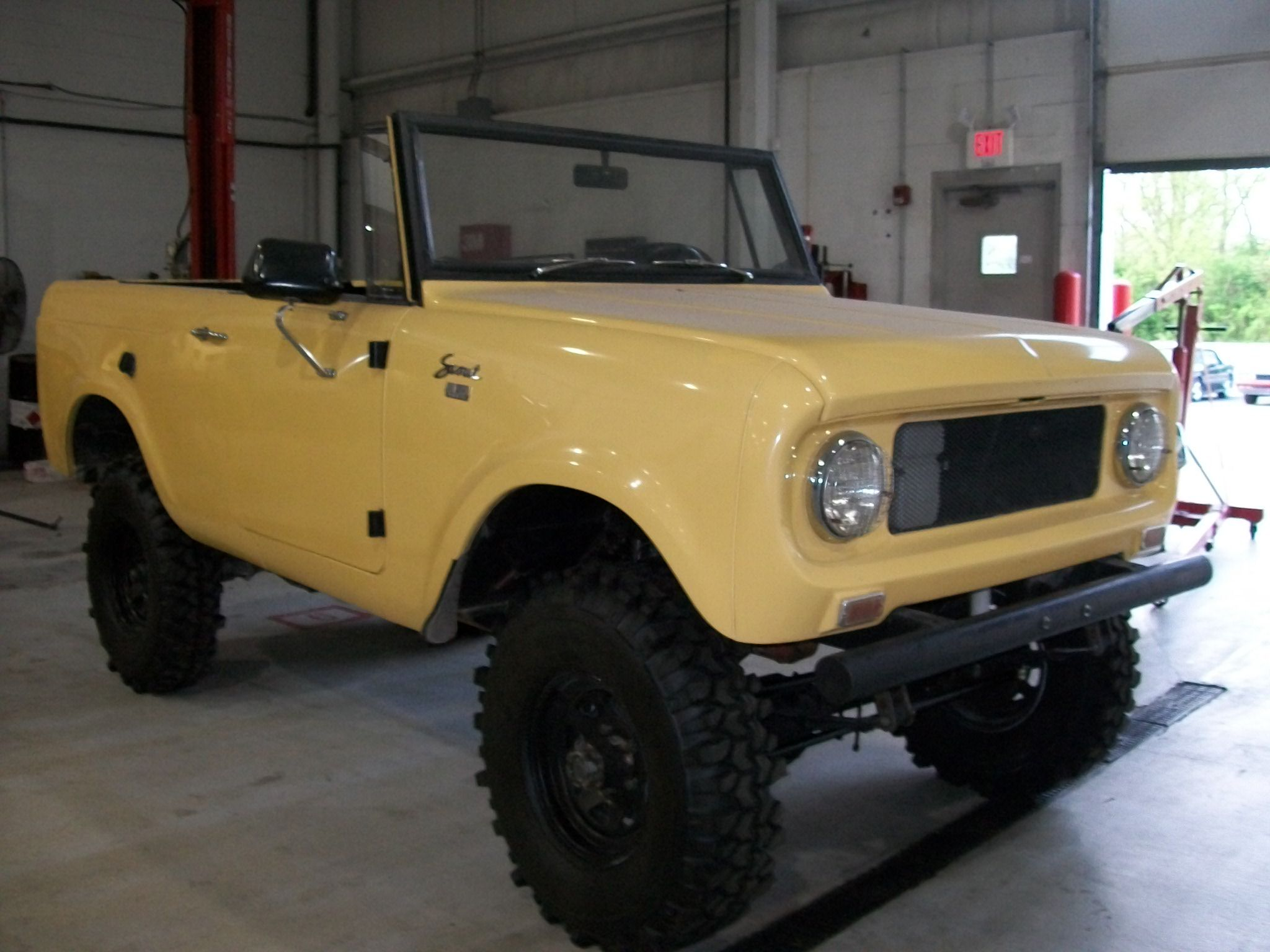 Born ready 67 international scout 800