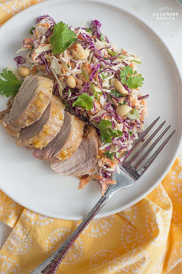 Lomo De Cerdo En Salsa De Miel Y Mostaza Con Ensalada Tricolor Receta Cerdo En Salsa Lomo De Cerdo Miel Y Mostaza
