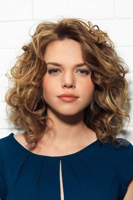 Shoulder Length With Tiered Layers You Ll Want To Bring One Of These Styles Back From The Medium Curly Hair Styles Curly Hair Styles Short Layered Curly Hair