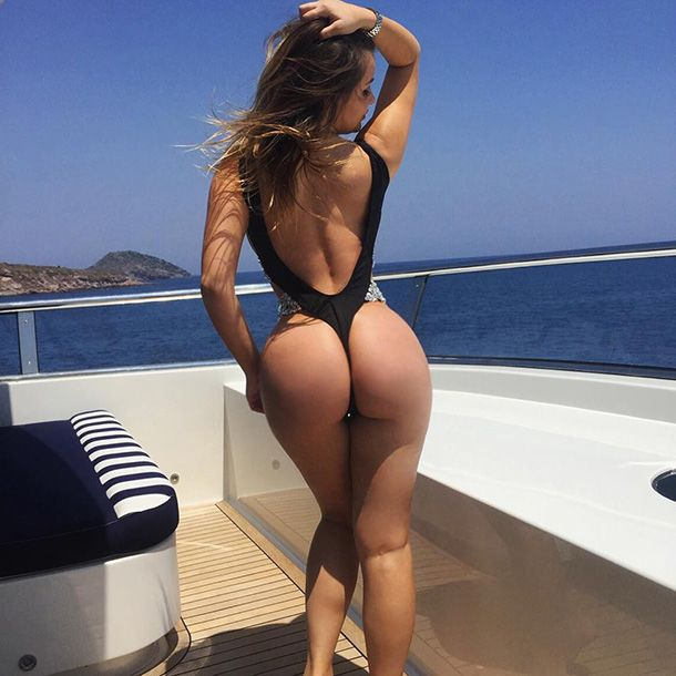 Ass On Boat 77