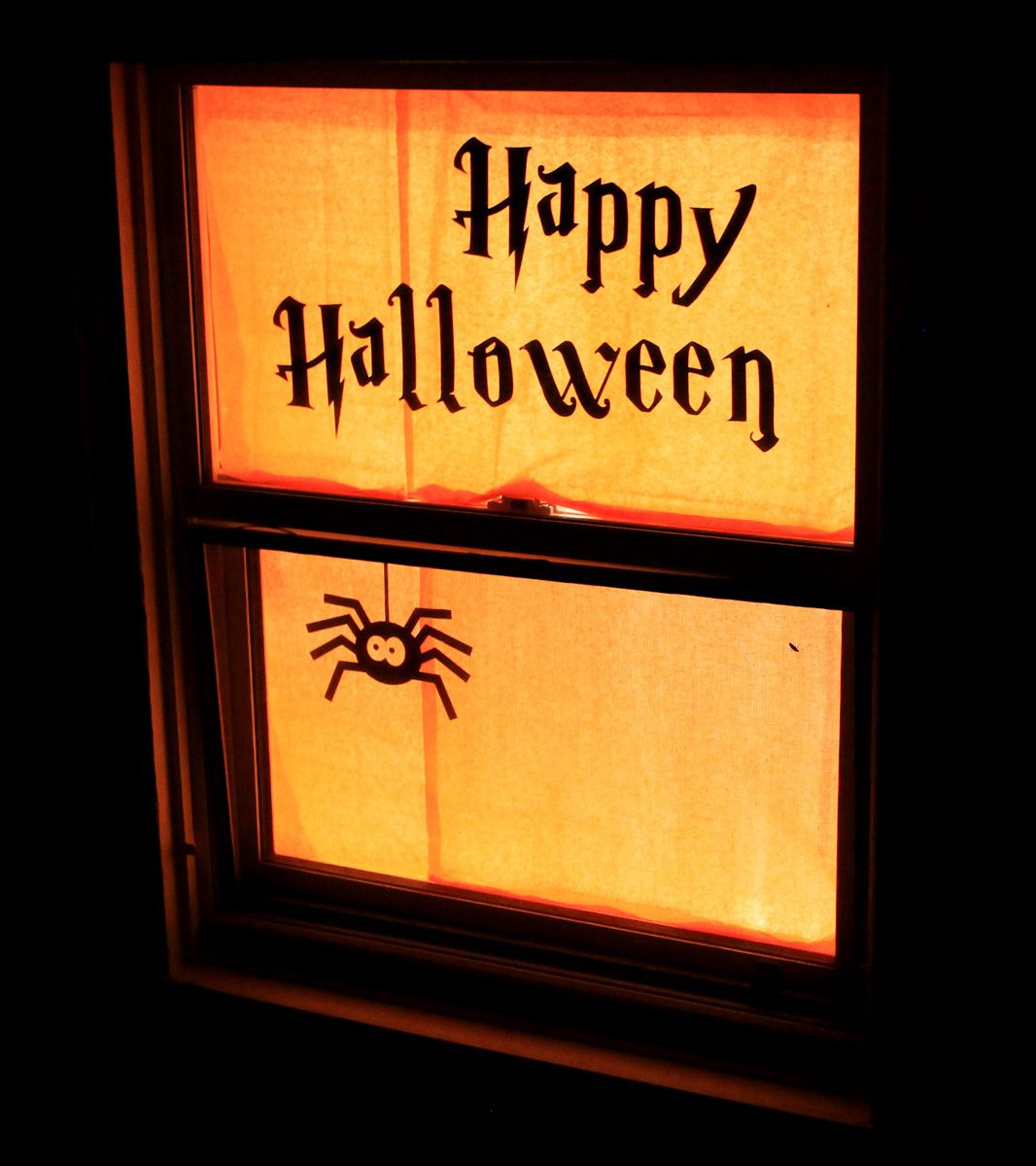33 Halloween Window Decoration Ideas You Don't Want To