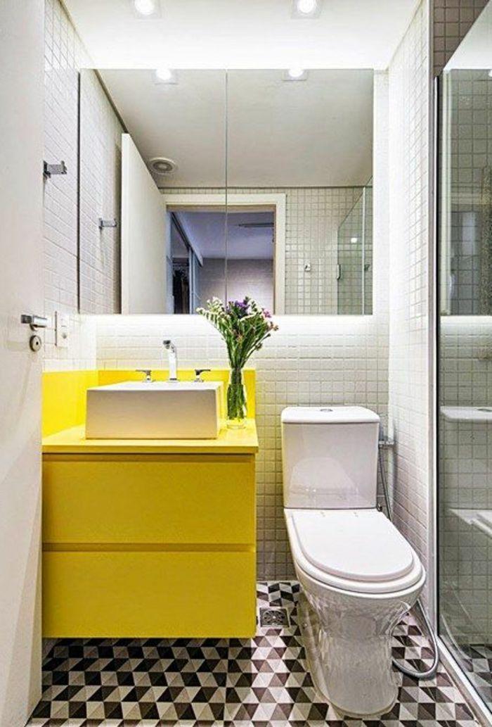 spor encastrable salle de bain en mosaique blanc noir, mur en ...