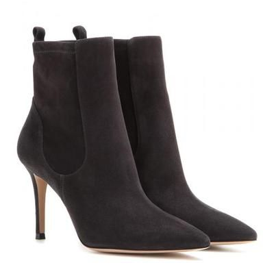 Gianvito Rossi - Bennett suede ankle boots #suedeboots #covetme #gianvitorossi