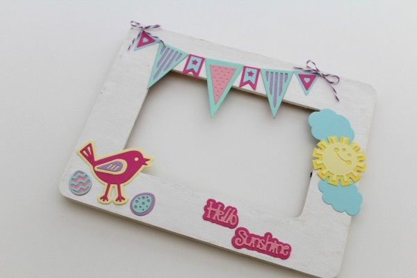 Sizzix Inspiration | Hello Sunshine Frame by Monika Baptista