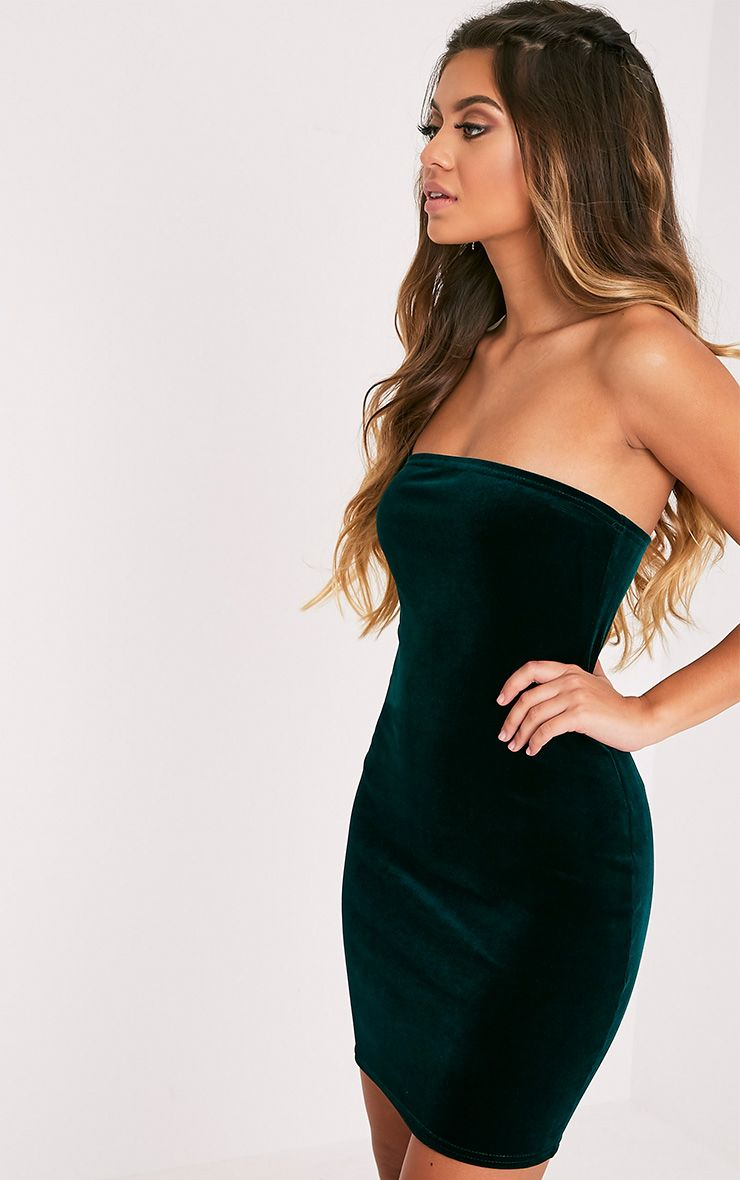 4323e49c48 Emerald Green Velvet Bandeau Bodycon DressBe the centre of attention with  this head turning velve.