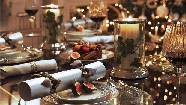 10 Luxury Christmas Decorating Ideas For Table Setting Christmas Dining Room Table Christmas Table Settings Christmas Table