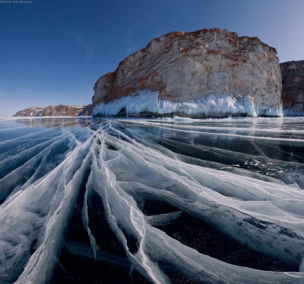 La superficie congelada del lago Baikal.