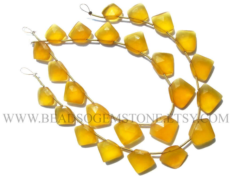 Semiprecious Beads, Yellow Chalcedony Faceted Pentagon (Quality AAA) / 11.5 to 15 mm / 18 cm / CHALCEDON-077 by beadsogemstone on Etsy #yellowbeads #chalcedony #gemstones #briolettes