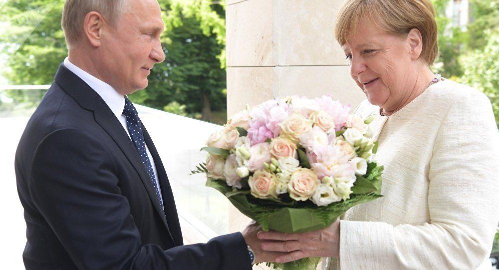 Liebe Angela Putin Gratuliert Merkel Zum 65 Geburtstag