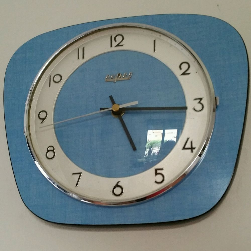 Blue Formica French Kitchen Wall Clock Made By Bayard Vintage 60 S Horloges Murales De Cuisine Horloge Murale Horloge Murale Moderne