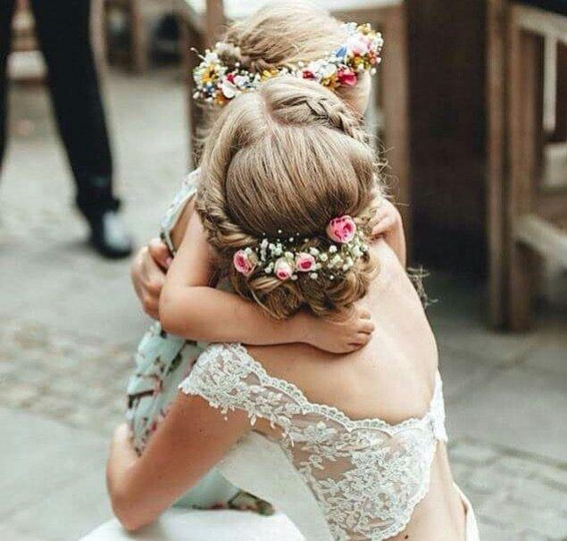 Pin De Laura Natalia En Laura Pinterest Peinados Boda Y Tocado - Flores-en-el-pelo-para-bodas