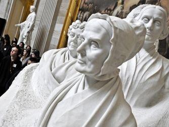 Lucretia Mott Women In History Women S History Statue