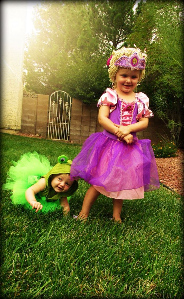 rapunzel pascal tangled sibling family costume - Halloween Ideas For Siblings