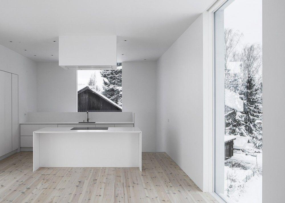Modernt hem, nra hav o stad, stor uteplats - Airbnb