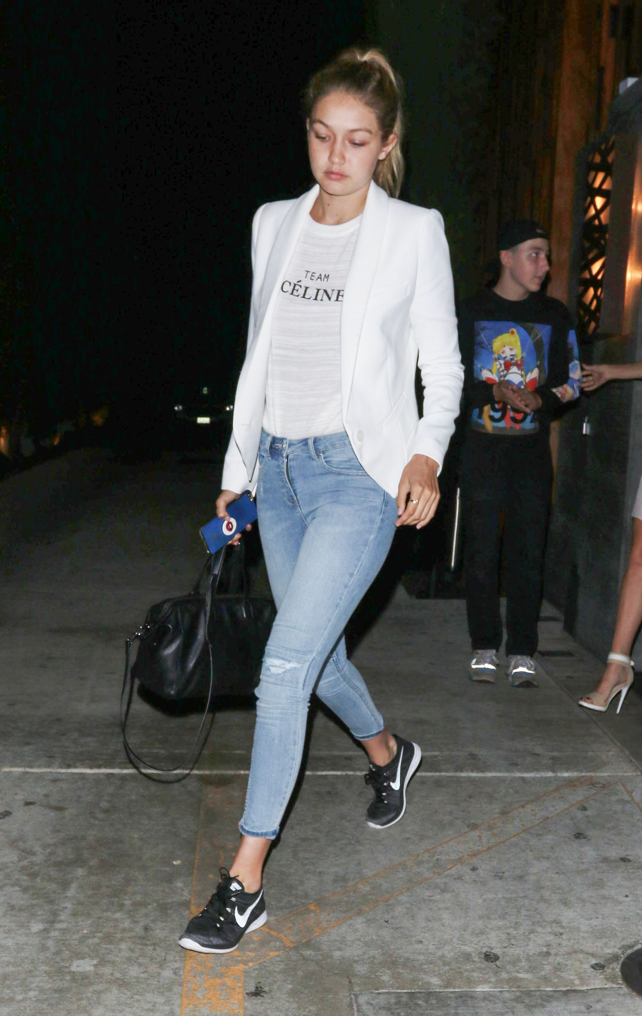 Black t shirt light blue jeans - Gigi Hadid Steal Her Style