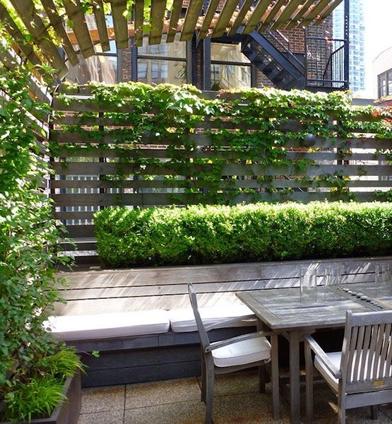 11 clever decor ideas for small patios an arched trellis for Trellis ideas for privacy