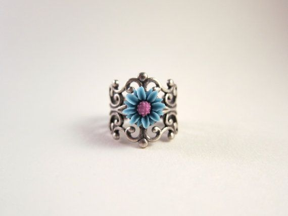 LIMITED EDITION   Two tone cornflower blue and purple daisy ring ShyofPerfect, $7.00
