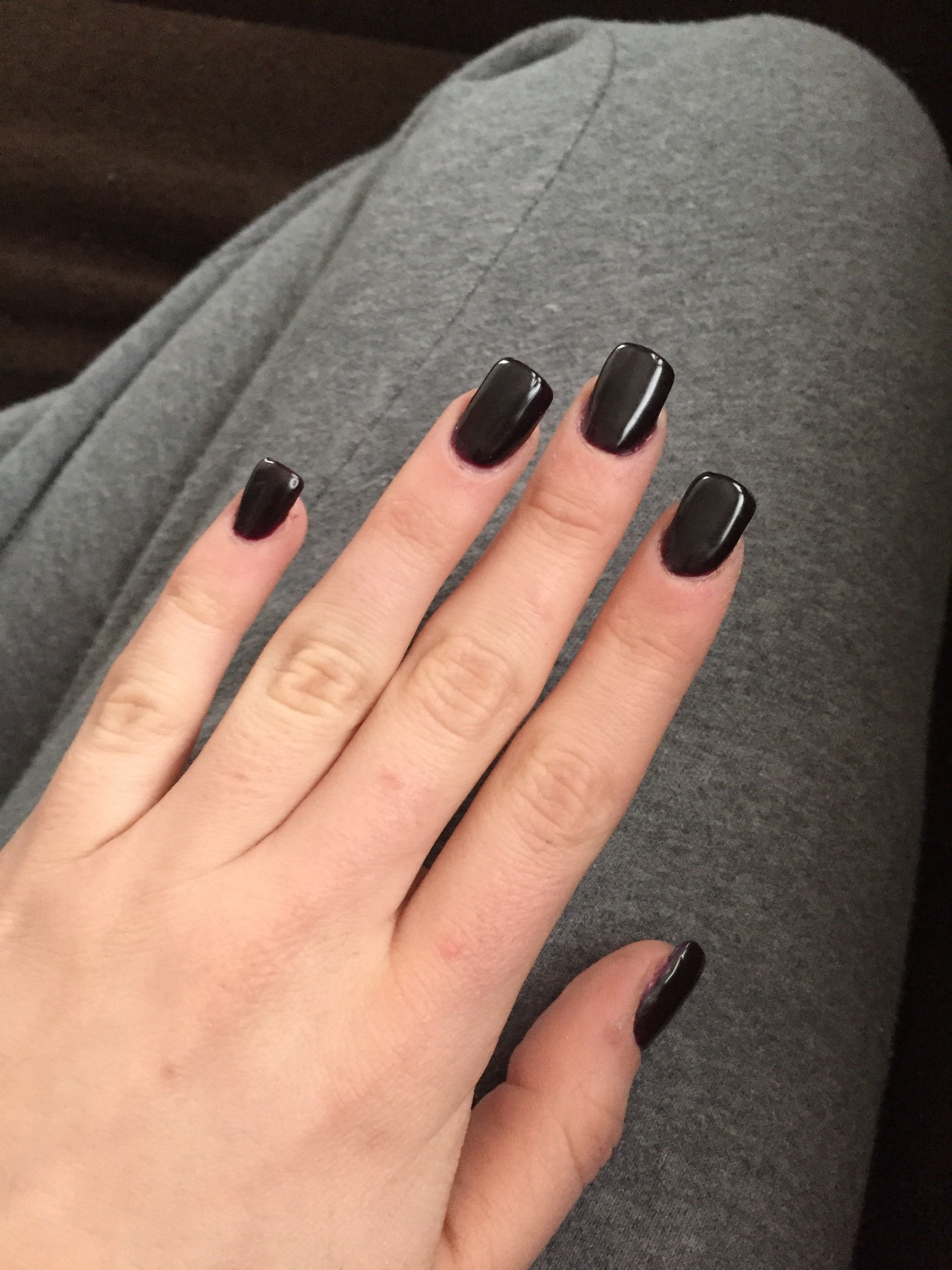 Short And Square Dark Purple Acrylic Nails Purple Acrylic Nails Black And Purple Nails Purple Nails