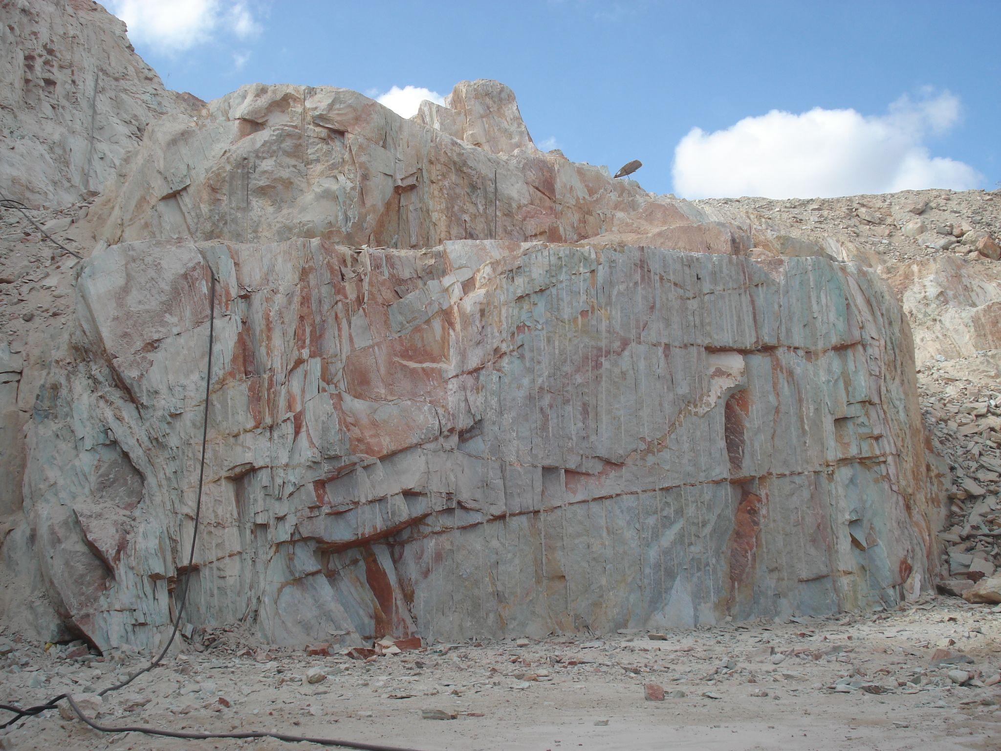 Luise blue quarry bahia brazil luise blue pinterest for Como brillar pisos de marmol