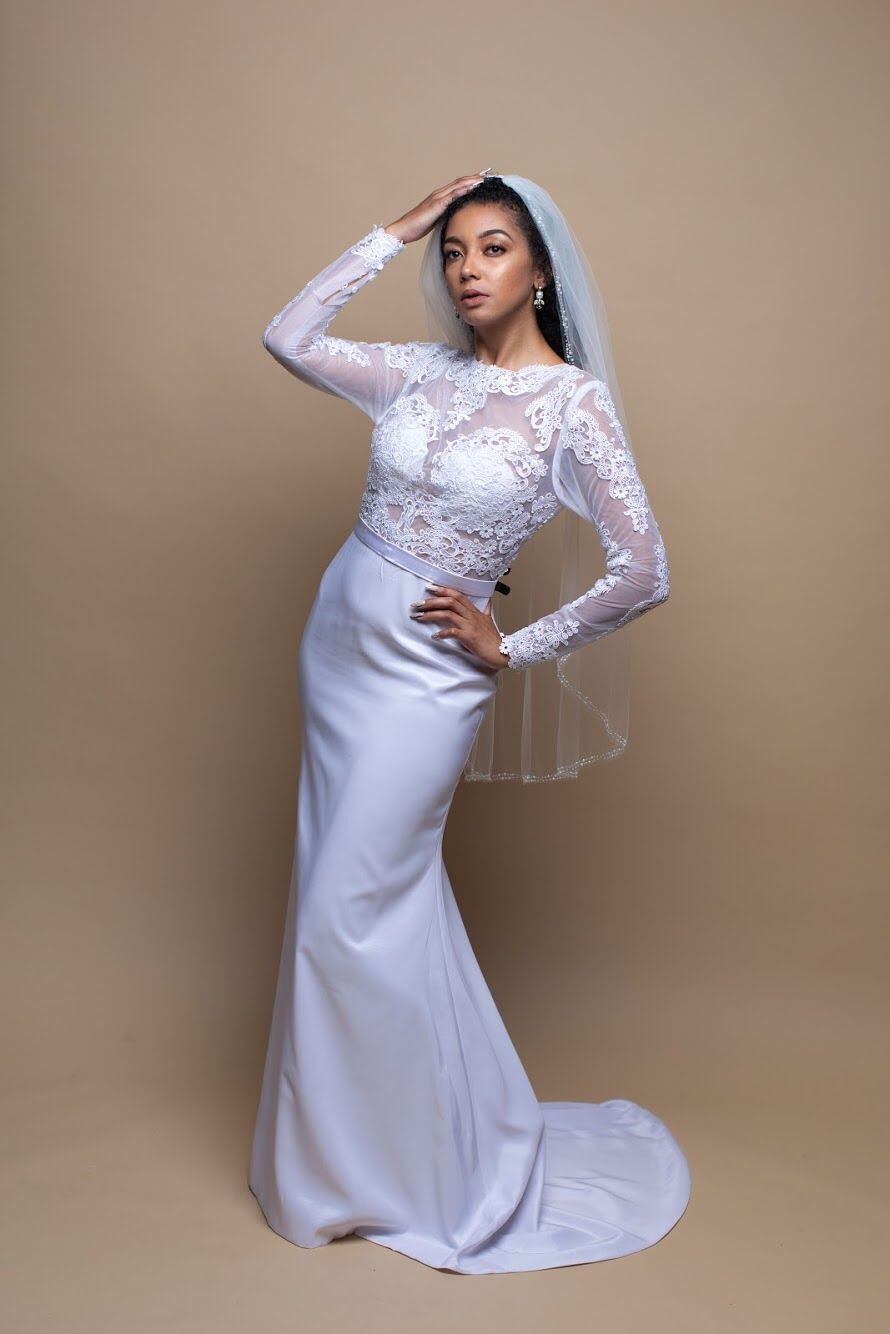 Would You Say Yes To Renting This Wedding Dress Rent This Dress From The Laine London Signature Collectio Rental Wedding Dresses Dresses Wedding Gown Rental