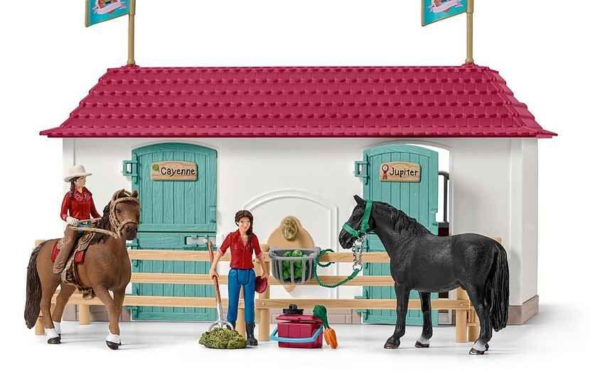 Schleich Spielset 42416 Horse Club Grosser Pferdehof Mit Wohnhaus Und Stall Online Kaufen Otto Horse Stables Stables Horse Barns