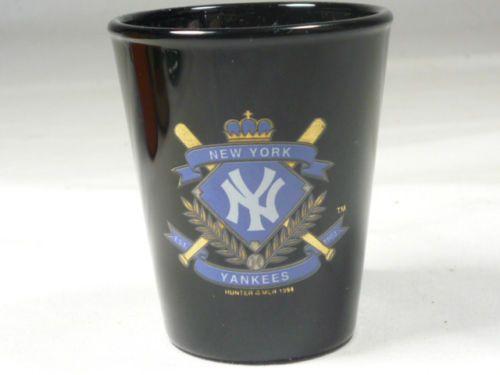 NEW YORK YANKEES SHOT GLASS 9330