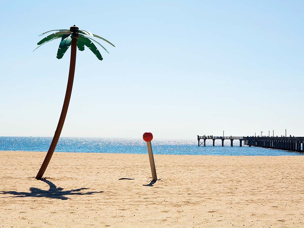 #coney #island #beach #outdoor #palm #jetty #view #skyline #skyscrapers #NewYork #America #USA #US #travel #tourism #guide #journey #tour #sightseeing #attraction #Apps #COOLCITIES http://www.cool-cities.com/new-york