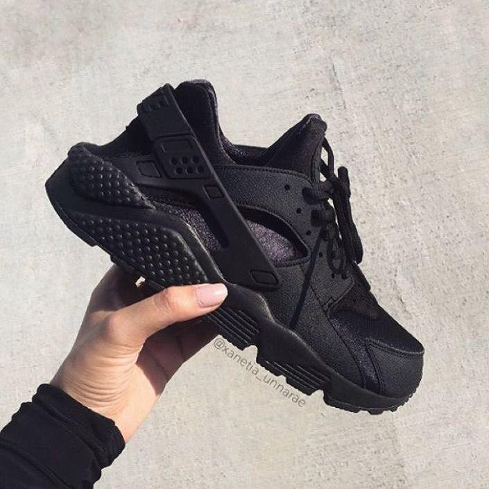 Brand: NIKE AIR.  SIZE:37/38 —————————————— Send us a dm or WhatsApp to order 📞 :09034984975 ——————————————PRICE: N3,500——————————————- Swipe for more pictures👉👉👉👉👉 —————————————— PAYMENT VALIDATES ORDER —————————————- #student#onlinestore #Lagos #fashionista #adorableandaffordable #workingclassladies#adorablefashion #lagosshopper #creativepreneur #enterpreneur  #vendor #shoevendor#shoeseller#lagosshopper #onlineshopper #classyshoe#shopperholic #shoelover#uniqueshoes #affordableshoes #clas