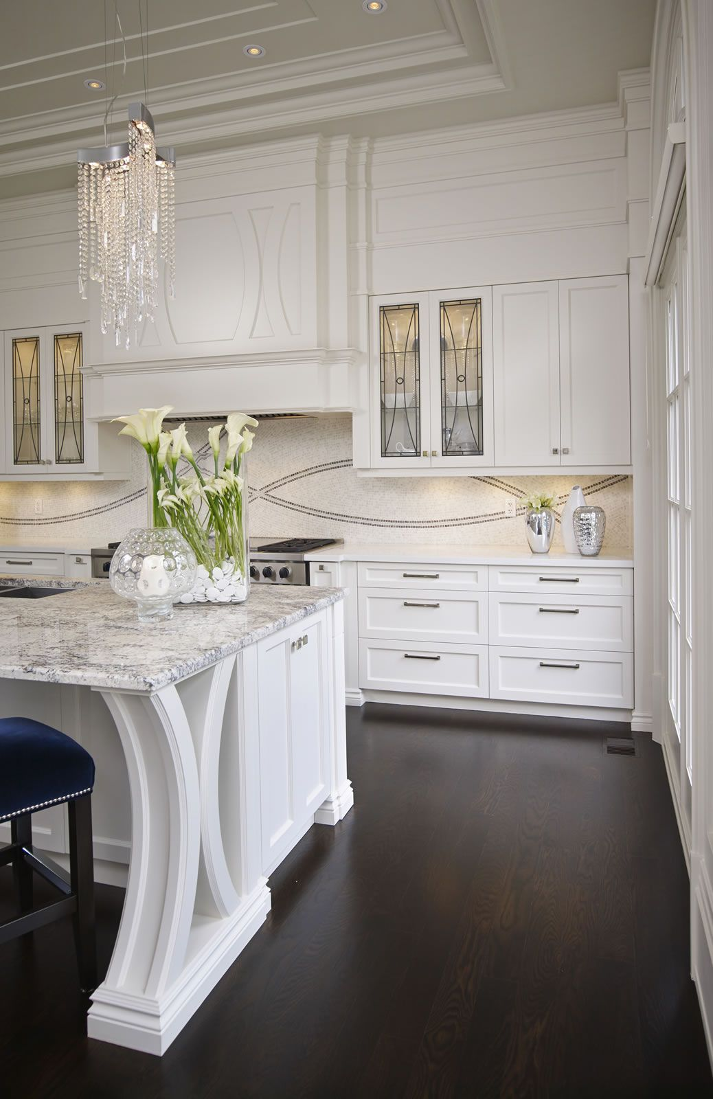 This Grand Residence Is Situated On The Picturesque Lakeshore Road Of  Burlington, Ontario Canada. Representing A U0026 Project, The Square Foot Home  Boasts ...