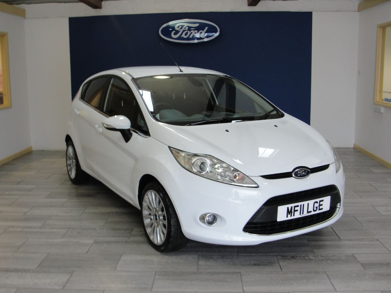 Ford Fiesta 1 4 Titanium 5dr Hatchback Petrol White Used Ford