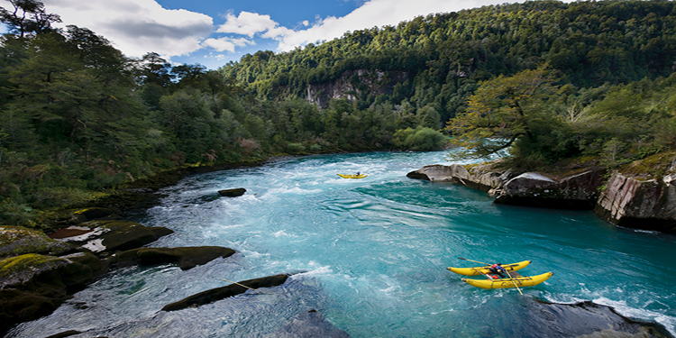 Futaleufú River, Northern Patagonia, Chile It is one of the world's best  rivers for white water kayakers. Leave… | Rafting tour, Travel spot, White  water rafting