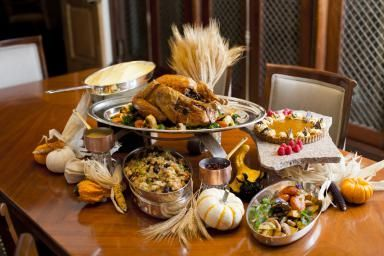 Tips for guests and hosts on Thanksgiving.