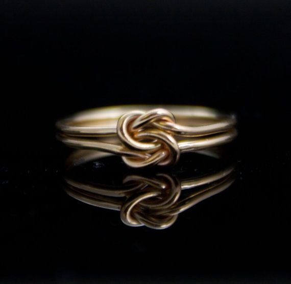 Solid 14K Gold Double knot ring. Infinity knot von IndulgentDesigns