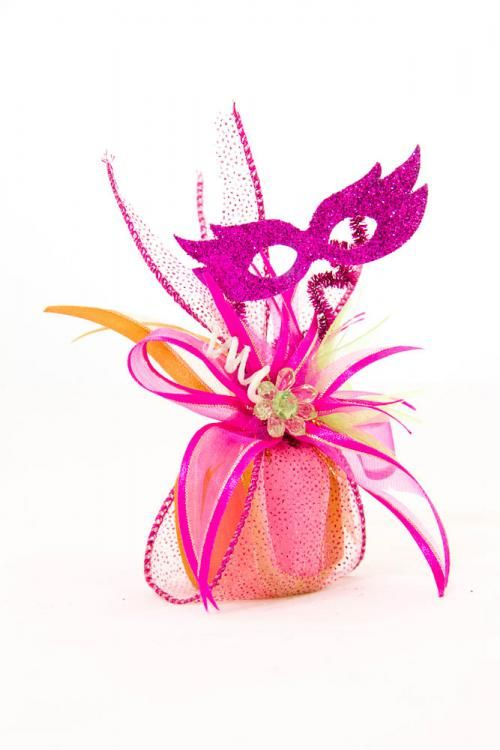 Handmade Quinceañera party favors made out of a Mardi Gra theme ...