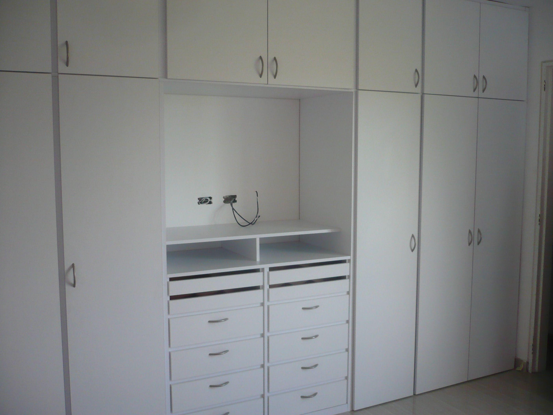 Closet con espacio para tv closets y vestidores en 2019 - Armario dormitorio blanco ...