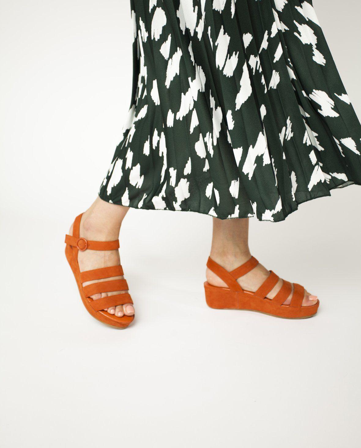 2 Baia Vista Voss Tan Zomp Shoez In 2020 Suede Sandals Suede Shoes