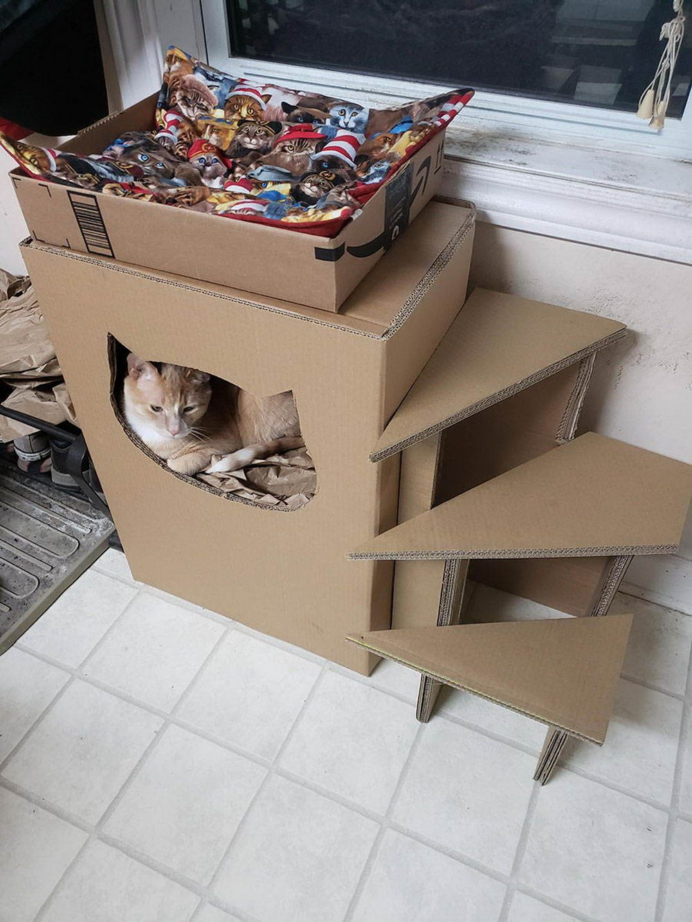 Pin By Marie Jager On Pet In 2020 Cardboard Cat House Cat House Diy Diy Cat Tree