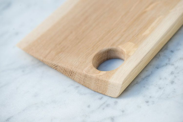 Cutting board in oak. Sustainable wood from Norway.