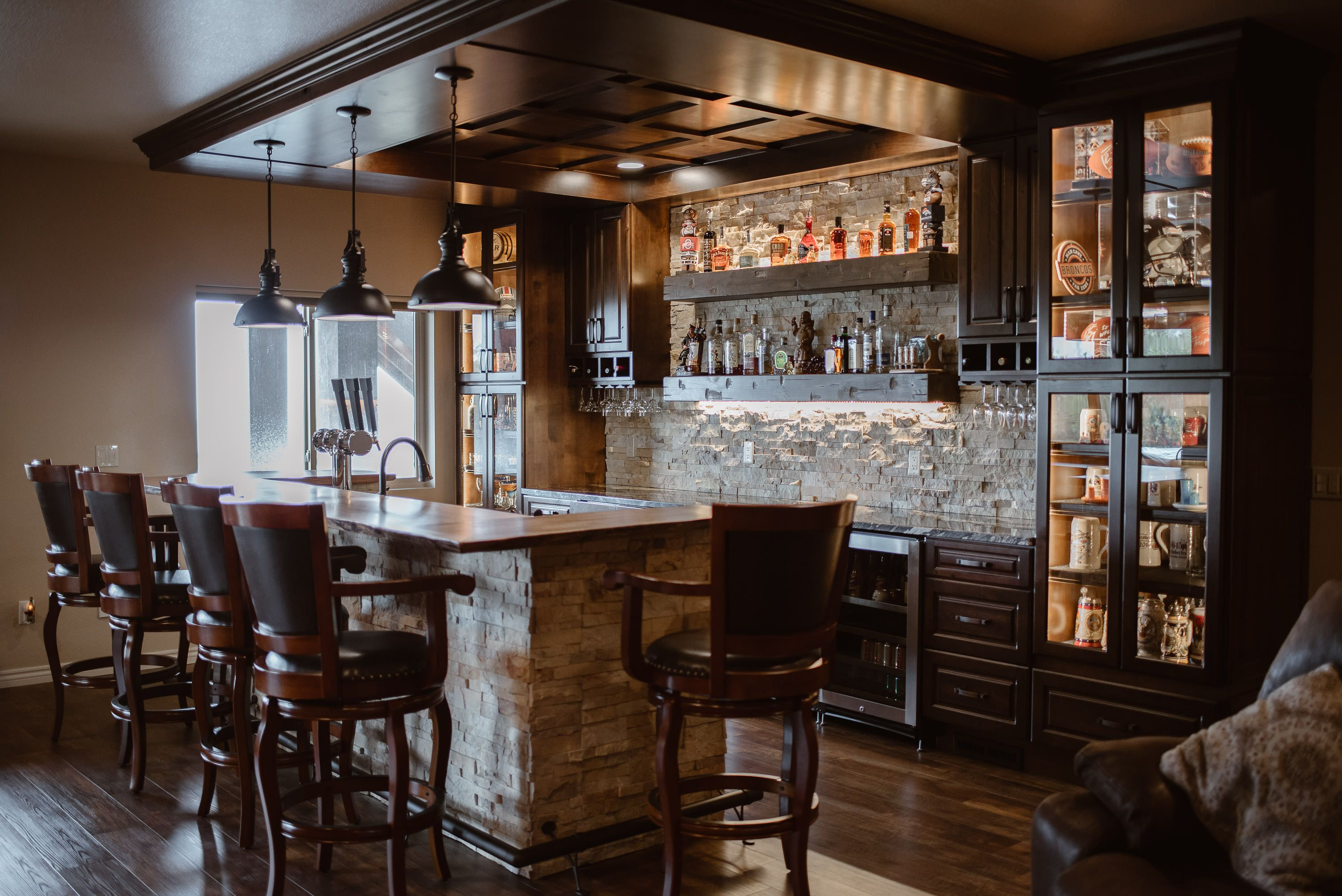 Pin by Jessica Daniels on Wet Bar- Jessica Daniels Homes (With images) | Wet bar designs, Wet ...