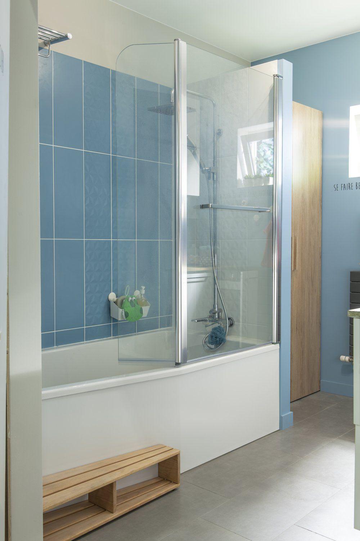 Un marche pied en bois le long d 39 une baignoire gain de - Ustensiles salle de bain ...