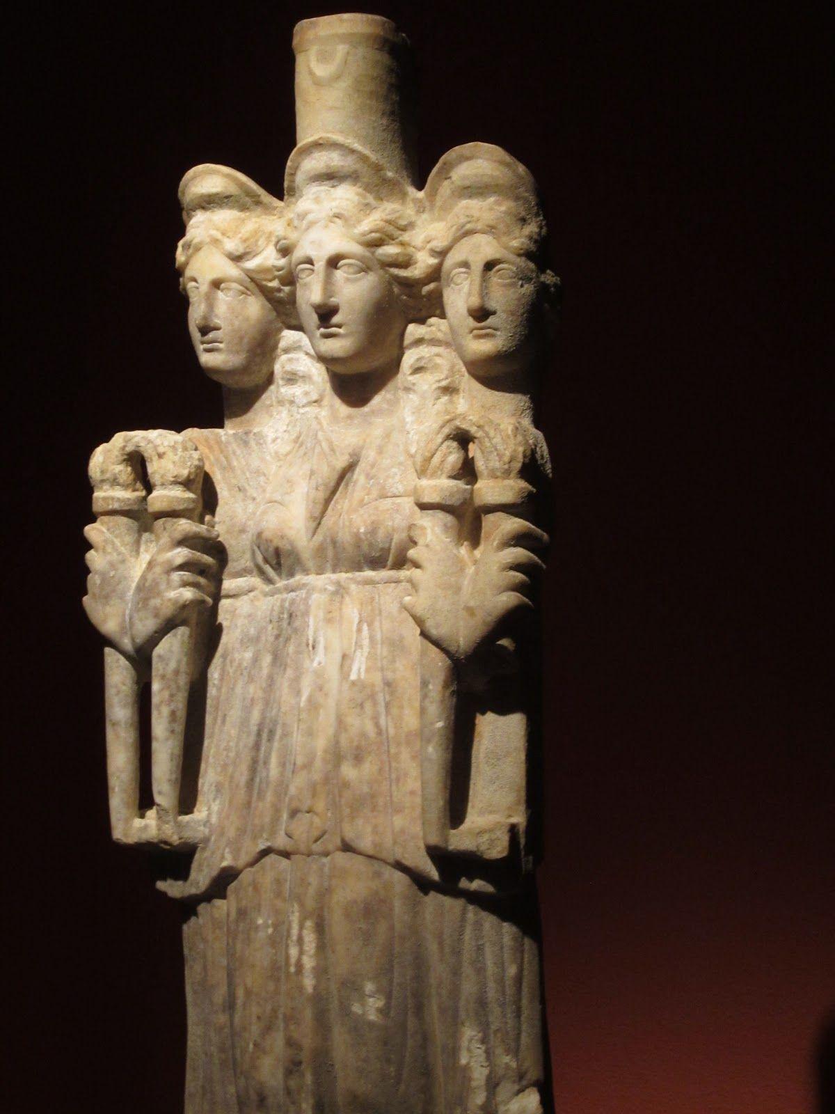 demeter goddess - Google Search | Greek statue, Statue ...