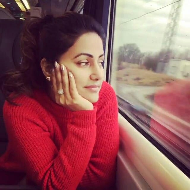 Cute Gorgeous Hina Khan Video Pic Instagram Londonevent Hina