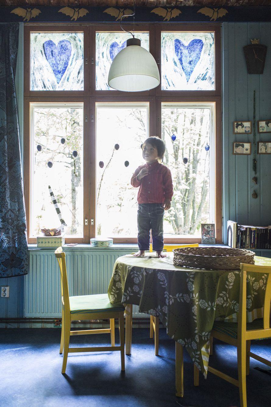 Entinen joulu - Taiteilija Sirpa Hasa remontoija asuu Ukko-pojan kanssa