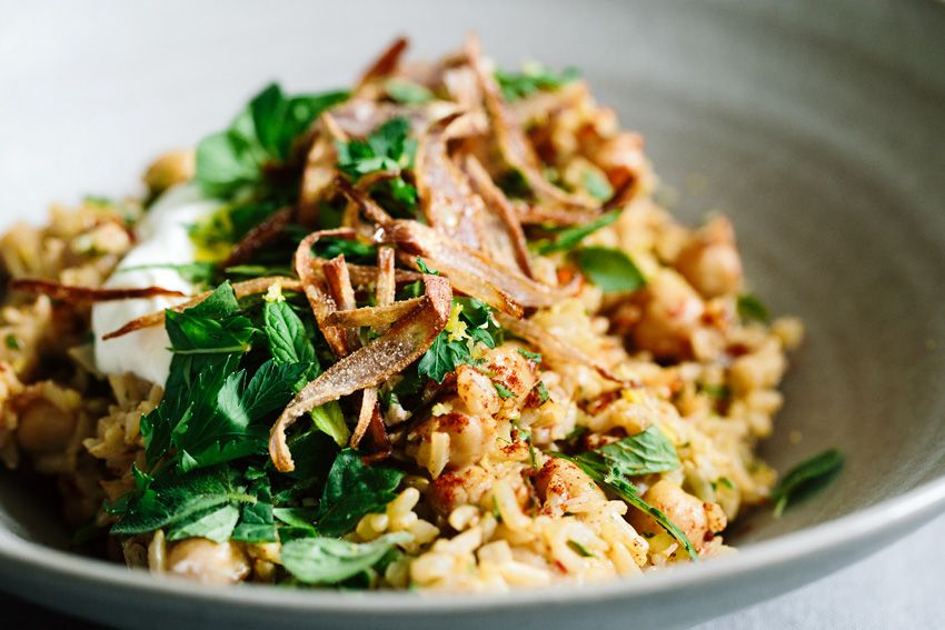 Pilaf with chickpeas and fresh herbs • KRAUTKOPF